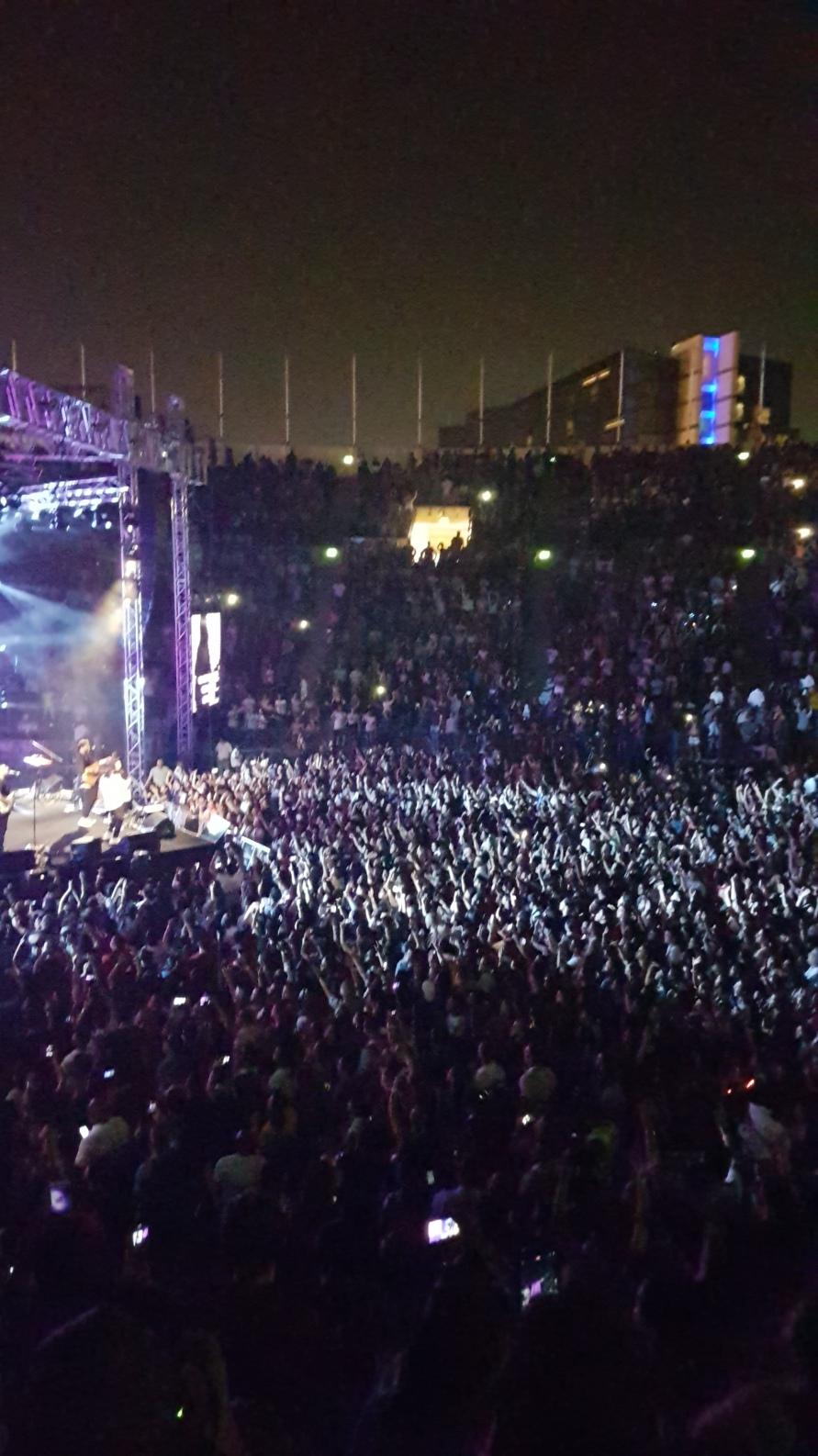 Vertical Crowd